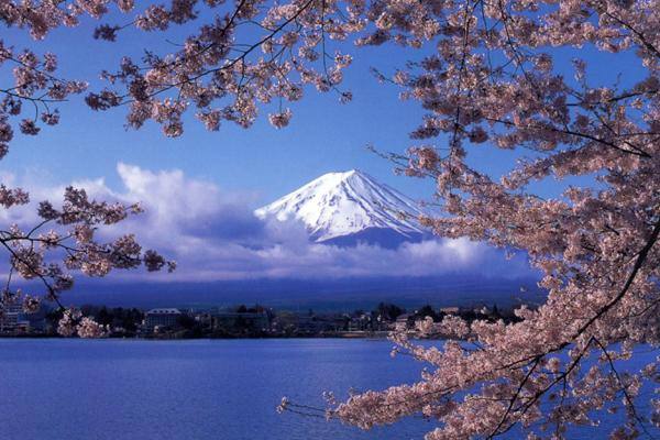 富士山が世界遺産に登録決定